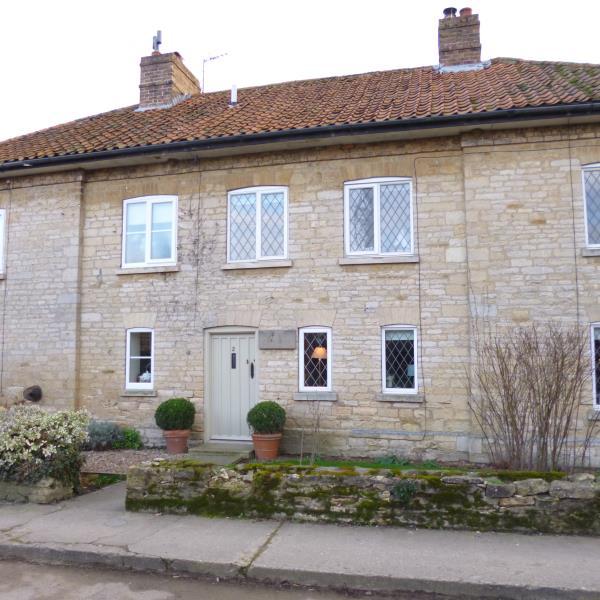 Grange Cottages Walcott
